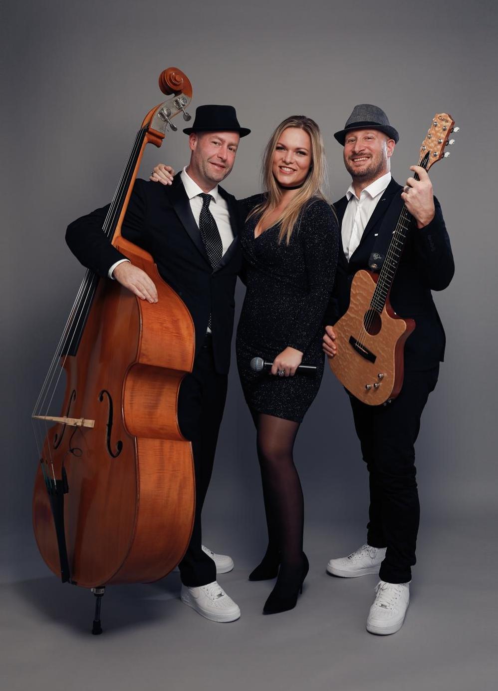 Acoustic bandits Jonny Smokes Sophie Mol Maurits Malherbe life muziek lifemusic